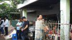 Umat Merayakan Misa di trotoar