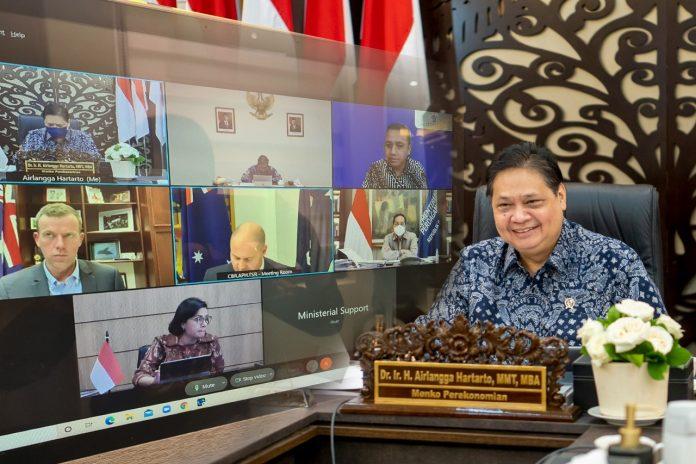 Pemerintah Indonesia tetap teguh dalam menangani dampak kesehatan dari pandemi.