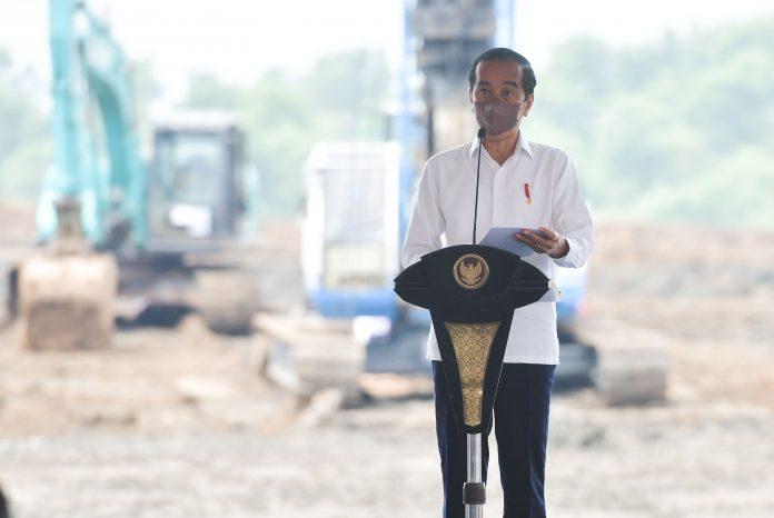 Pembangunan pabrik baterai kendaraan listrik ini merupakan kolaborasi antara perusahaan Indonesia dengan perusahaan Korea Selatan .