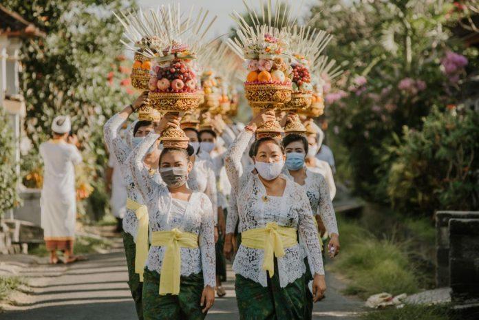 pembukaan Bali untuk wisatawan asing ini dilakukan demi memulihkan ekonomi Bali yang terpuruk akibat pandemi Covid-19