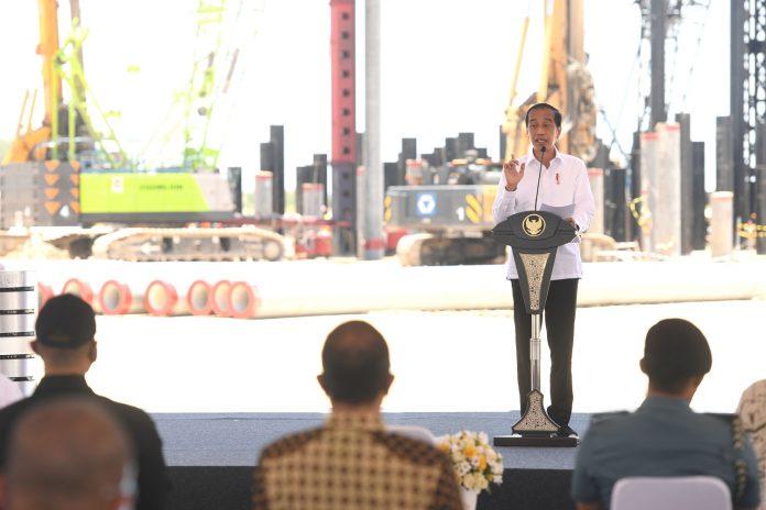 Pembangunan ini diharapkan mampu menciptakan nilai tambah produk pertambangan di dalam negeri